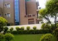 Royal Residence on Golf Course Road