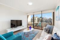 Darlinghurst Modern Two Bedroom Apartment (91OXF)