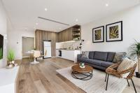 North Ryde Modern One Bedroom Apartment (13 WHT)