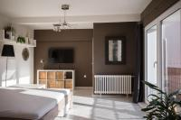 Bright flat with terrace