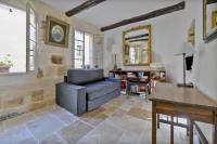 Uzès Townhouse with Loggia & Views