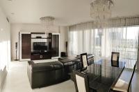 HOMEnFUN Luxury apartment at Forum