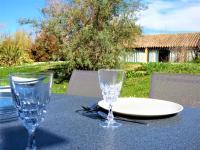 Appartement wifi, piscine, spa, clim, +vélo à Arles en Camargue pour 6 pers