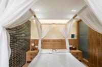 Chuan Yue Shi Guang De Ai Lian Apartment