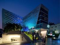 LiT BANGKOK Hotel