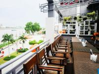 Tonle Khmer Guesthouse and Sky Bar