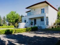 This wonderful 300m2 house in Gefira Thessaloniki...