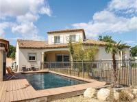 Five-Bedroom Holiday Home in Sorgues