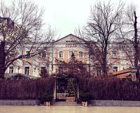 Отель East-West