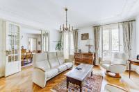 130m² flat near Gare du Nord