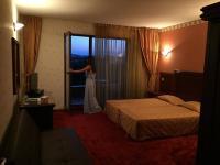 Отель Боляри