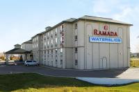 Ramada by Wyndham Red Deer Hotel and Suites