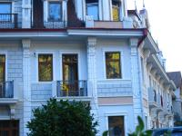 Natali Deluxe Apartments