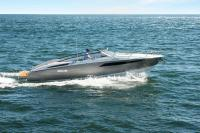 Dom & House - Luxury Speed Boat on Baltic Sea