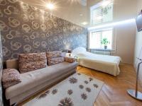 Apartment Maksima Tanka 4