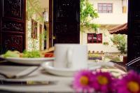 Shaxi Miss May Hotel