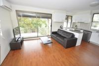 Balmain Self Contained Modern One-Bedroom Apartment (3MONT)