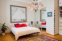 Apartment on M. Konyushennaya