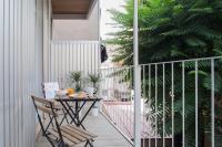 Stylish Modern Gracia Apartment 1B