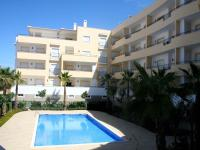 Luxury 3 Bed with Pool View.