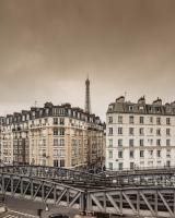 Eiffel Petit Louvre