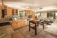 1027 - Hollywood Panoramic Suites
