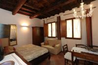 Florentine Apartment Pontevecchio