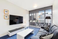 Sydney CBD Fully Self Contained Modern 1 Bed Apartment (712SHY)