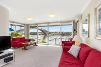 Drummoyne Self-Contained Modern Three-Bedroom Apartment (3DRU)
