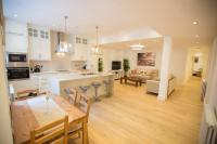 Luxury 2 bed/bath apartment next to Hyde Park