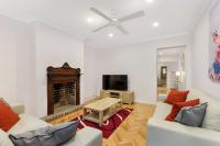 Darlinghurst 3 Bed 3 Bath Modern Terrace (51YUR)
