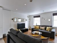 Large Modern Apartment in Baker Street, London