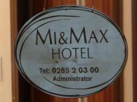 Mi & Max