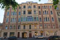 Rooms on Mytninskaya street