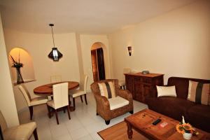 Room photo 7 from hotel Monte Dourado