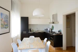 מטבח או מטבחון ב-Old Town Apartment