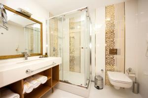 http://r-ec.bstatic.com/images/hotel/max300/105/10575637.jpg
