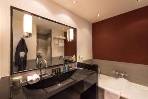 Um banheiro em Htel Serviced Apartments Amsterdam