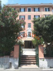 Hotel flora italia celle ligure for Hotel liguria milano