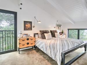 Cama ou camas em um quarto em 515 Cavdale Road Valley Home
