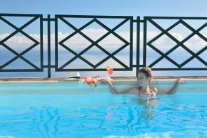 בריכת השחייה שנמצאת ב-Corral de Payo Casita Blanca או באזור