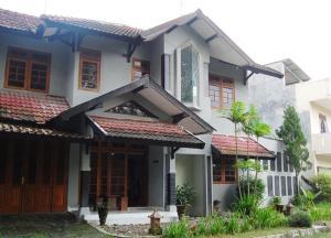 House 89
