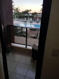 Uma vista da piscina em Life Resort Flat ou nos arredores