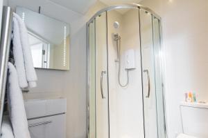 Um banheiro em The Pods at Nell Gwynn