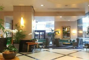 מסעדה או מקום אחר לאכול בו ב-Oasis on Queen St, quiet and refreshing Apartment