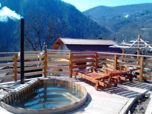 Booking.com: Pensiunea Valea Morii, Horgesti, Rom