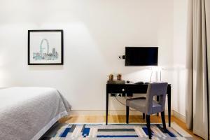 TV/trung tâm giải trí tại Arcore Premium Apartments: Covent Garden