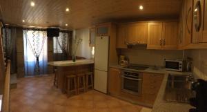 Una cocina o kitchenette en Alojamento Pelourinho