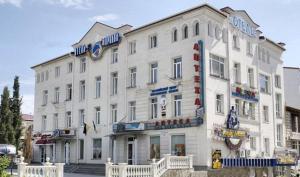 Morskoy Hotel (Отель Морской)