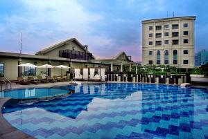 Grand Aston City Hall Hotel & Serviced Residences